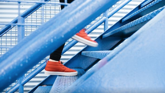 How-to-lose-upper-thigh-fat-climbing-stairs