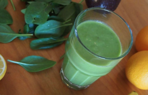 What're-Green-Smoothies-About-In-Glass