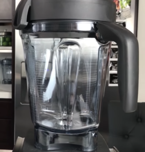 Best-Green-Smoothie-Blenders-Vitamix-750-Review